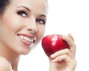 яблоко - полезная еда для зубов