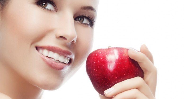 Как сохранить здоровье зубов в праздничные дни?