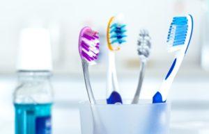 форма головки и щетинки механической зубной щетки