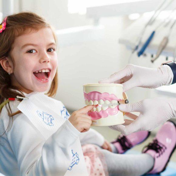 Кто такой детский стоматолог-ортопед и чем он занимается?